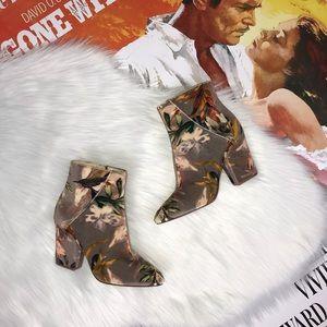 New Nine West Savitra Ankle Boot Floral Velvet